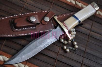 Handmade Damascus Hunting Bowie Knife