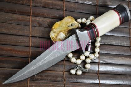 Handmade Damascus Hunting Knife Bone-Wood Handle