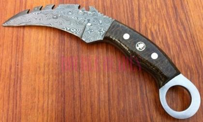 Damascus Steel Karambit Hunting Knife Wood Handle